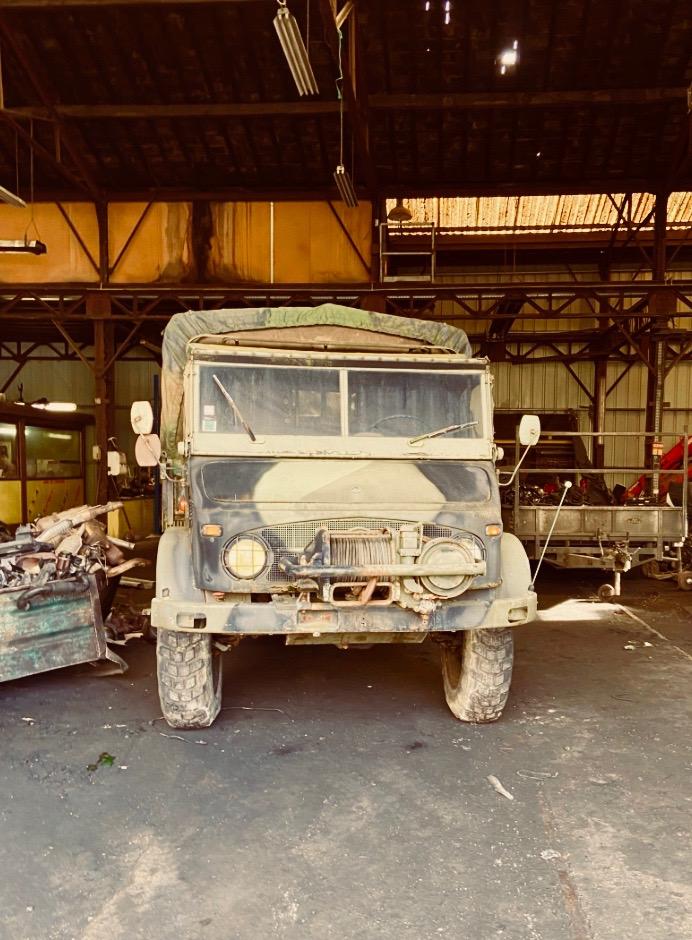 Daimler Unimog - Off White